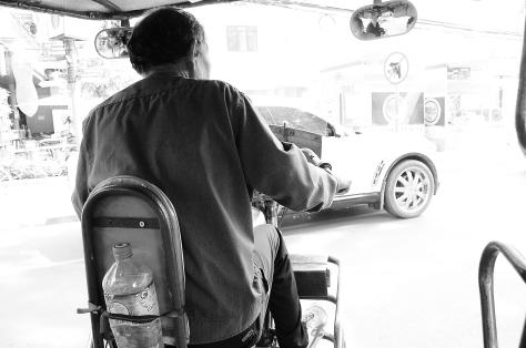 Tuk Tuk Driver, Christian Ekleberry, backpacksandblackboards.com