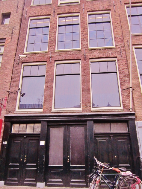 Front of Anne Frank's House and her Family's Shop, backpacksandblackboards.com
